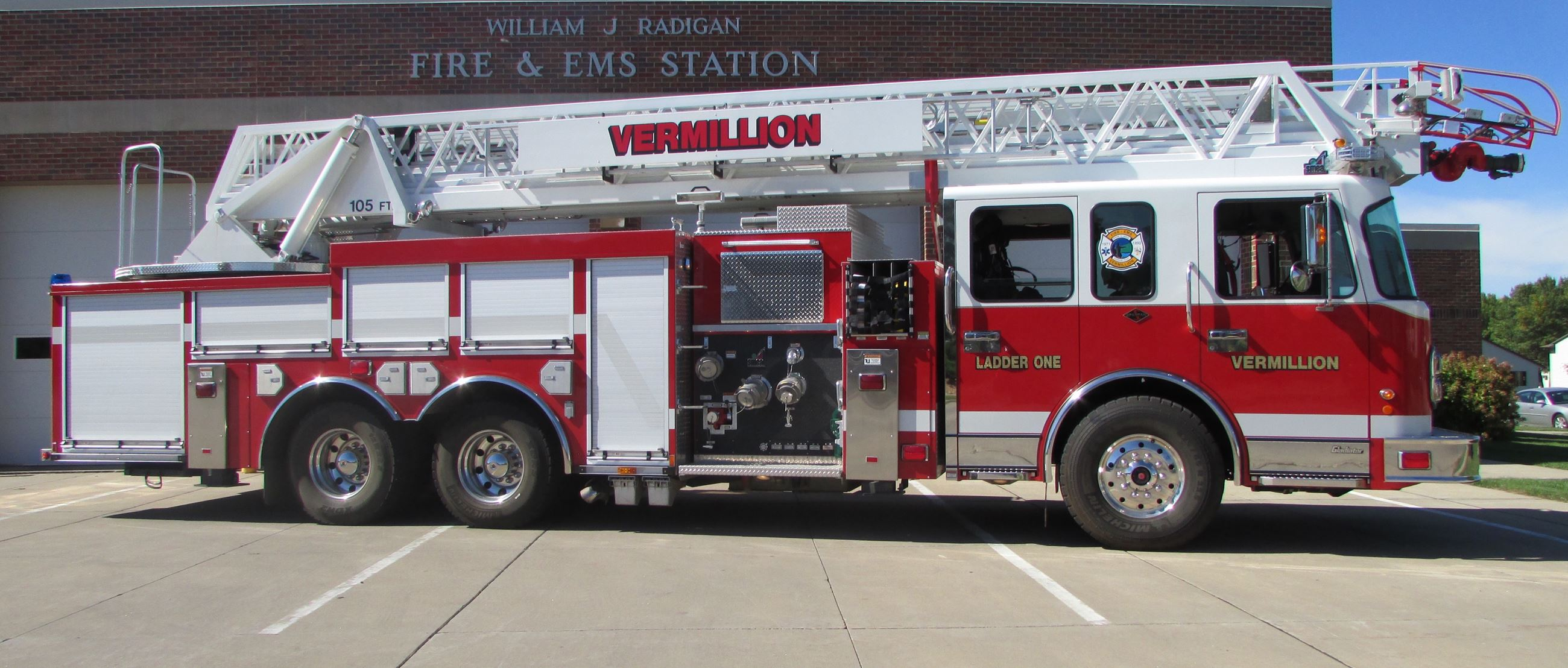 2009 Smeal 105' Ladder (Ladder 1)